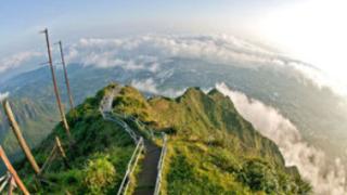ハワイ・ハイク階段